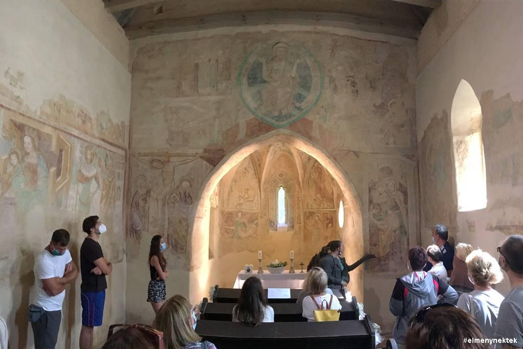 velemer-szentharomsag-templom
