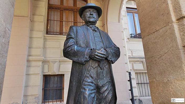 sopronyi-thurner-mihaly-szobor