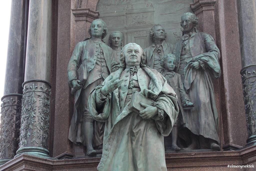 maria-terezia-szobor-becs