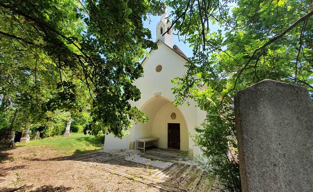 szent-istvan-temetokapolna-nagylozs