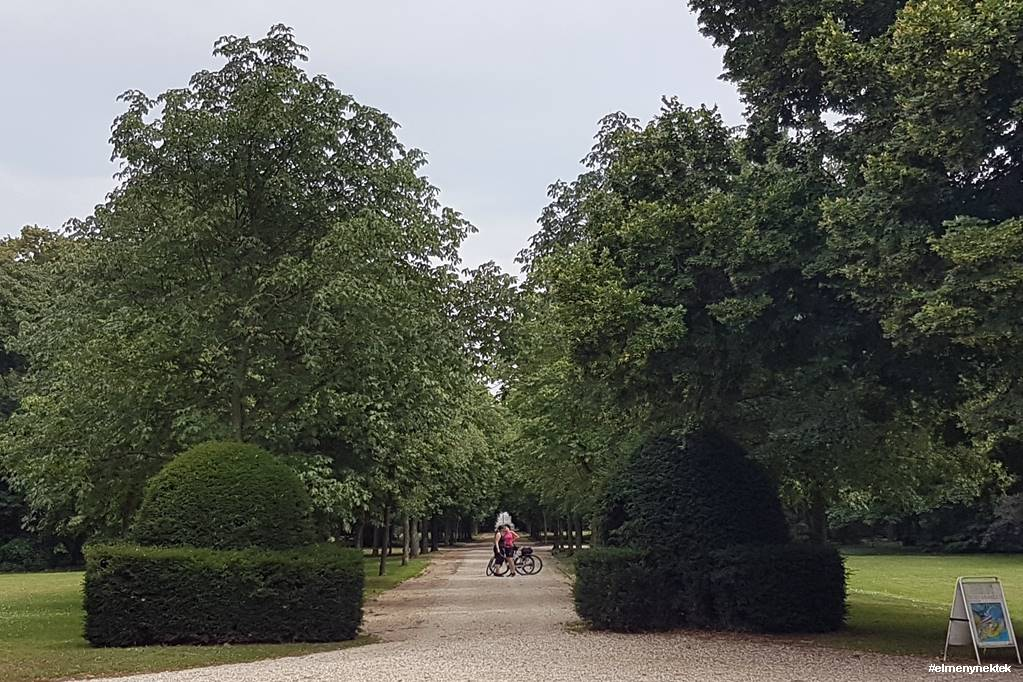 halbturn-kastely-park